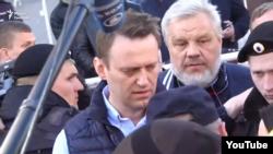 Олексій Навальний на мітингу проти «реновації» в Москві, 14 травня 2017 року