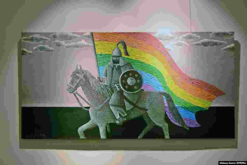 """Куаныш Базаргалиев представил работу """"Вы хотите батыров? Их есть у меня"""". Она о том, как предки казахов поддерживают гей-сообщество внастоящем. «Гей-сообщества, грубо говоря, были всегда, во всевремена. Есть масса примеров из античности. Я думаю, казахскоеобщество не отличалось в этом плане от других. А почему-то сейчас такое негативное отношение к ним. В поселке моего отца живет пожилой человек, который всю жизнь одевался в женскую одежду, и к нему толерантно относятся. А в городе почему-то иное отношение», – говорит Базаргалиев."""