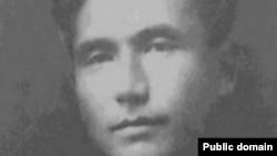 Төрөкул Айтматов (1903-1938) - 1937-жылы декабрда жазыксыз камалып, 1938-жылы 5-ноябрда атылган мамлекеттик ишмер.