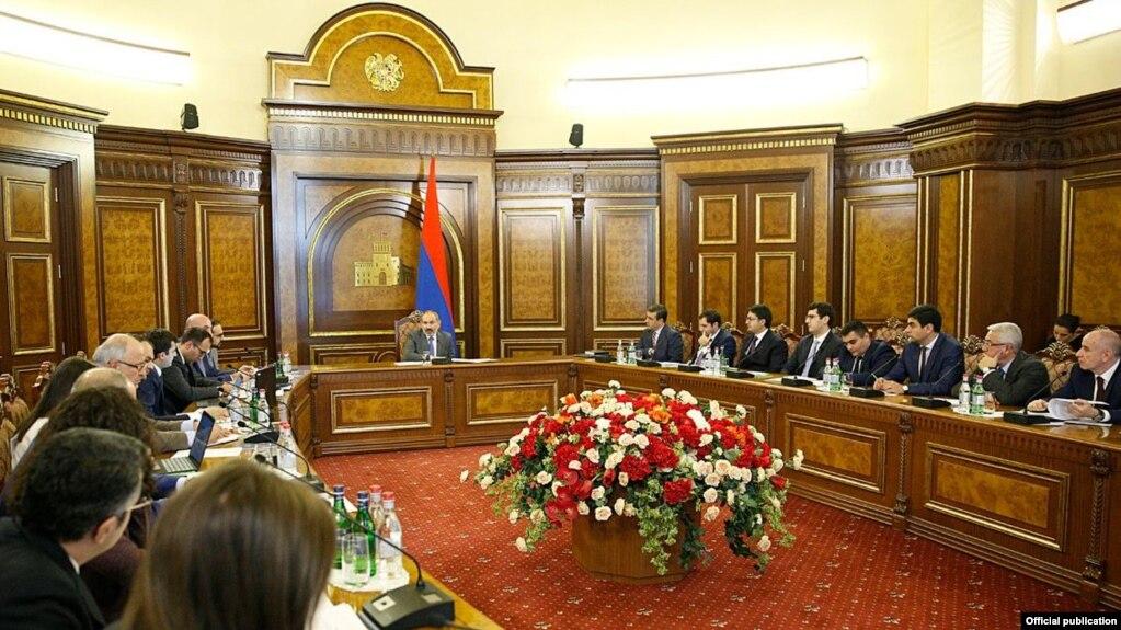 Премьер-министр провел совещание по реализации цифровой повестки Армении