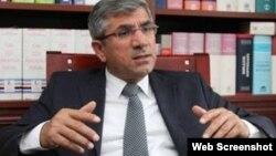 Тахір Ельчі