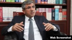 Kurdish lawyer Tahir Elci was reportedly shot fatally in the head while speaking to reporters. (file photo)