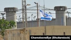زندان کتسیوت در اسرائیل که گفته میشود سه چهارم زندانیان فلسطینی در آن نگهداری میشوند