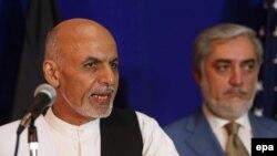 عبدالله عبدالله (راست) و اشرف غنی حامدزی