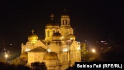 Varna, Bulgaria 2016: catedrala Adormirea Maicii DOmnului