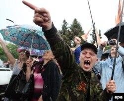 Проросійська акція в Луганську під час так званої «русской весны», 12 травня 2014 року