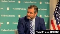 تد کروز میگوید که «دولت پنهان» در وزارت خارجه و خزانهداری آمریکا میخواهد تا برجام را احیاء کند.