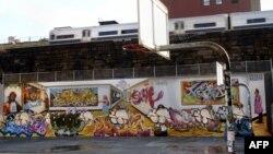 Руководство метрополитена не желает видеть на стенах вагонов ничего похожего на граффити
