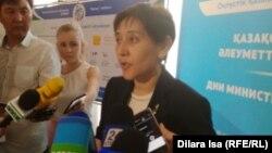 Тамара Дүйсенова, еңбек және халықты әлеуметтік қорғау министрі. Шымкент, 2 тамыз 2017 жыл.