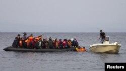 Pamje nga arritja e refigjatëve në ishullin grek Lesbos, në tetor të vitit të kaluar