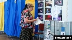 Під час голосування на одній з виборчих дільниць у Чернігові