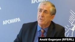 Министр внутренних дел Абхазии Аслан Кобахия высказал мнение, что выборы пройдут спокойно