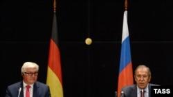 Գերմանիայի և Ռուսաստանի արտգործնախարարներ Ֆրանկ-Վալտեր Շտայնմայերը և Սերգեյ Լավրովը պատասխանում են լրագրողների հարցերին: Եկատերինբուրգ, 15 օգոստոսի, 2016 թ․
