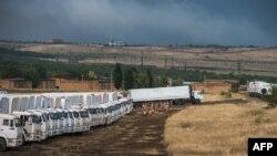 قافلة المساعدات الروسية عند الحدود مع اوكرانيا
