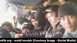 Узбекские гастарбайтеры возвращаются из России на родину.