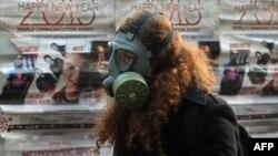 فعالان محیط زیست سالهاست به افزایش بیسابقه گازهای گلخانهای اعتراض میکنند