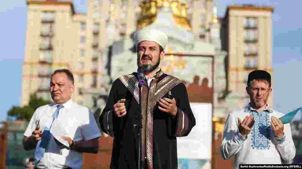 Муфтий Духовного управления мусульман Крыма на материковой части Украины Айдер Рустемов.