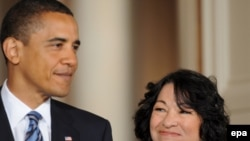 U.S. President Barack Obama (left) introduces his Supreme Court nominee Sonia Sotomayor in Washington.