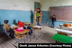 Gürcüstanda azərbaycanlıların yaşadığı bölgədə məktəb.