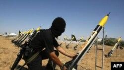 کارشناسان نظامی اسرائیل میگویند که نشانههای آشکاری از قطعات ساخت ایران که در راکتهای حماس به کار رفته است در دست دارند. (عکس: Afp)