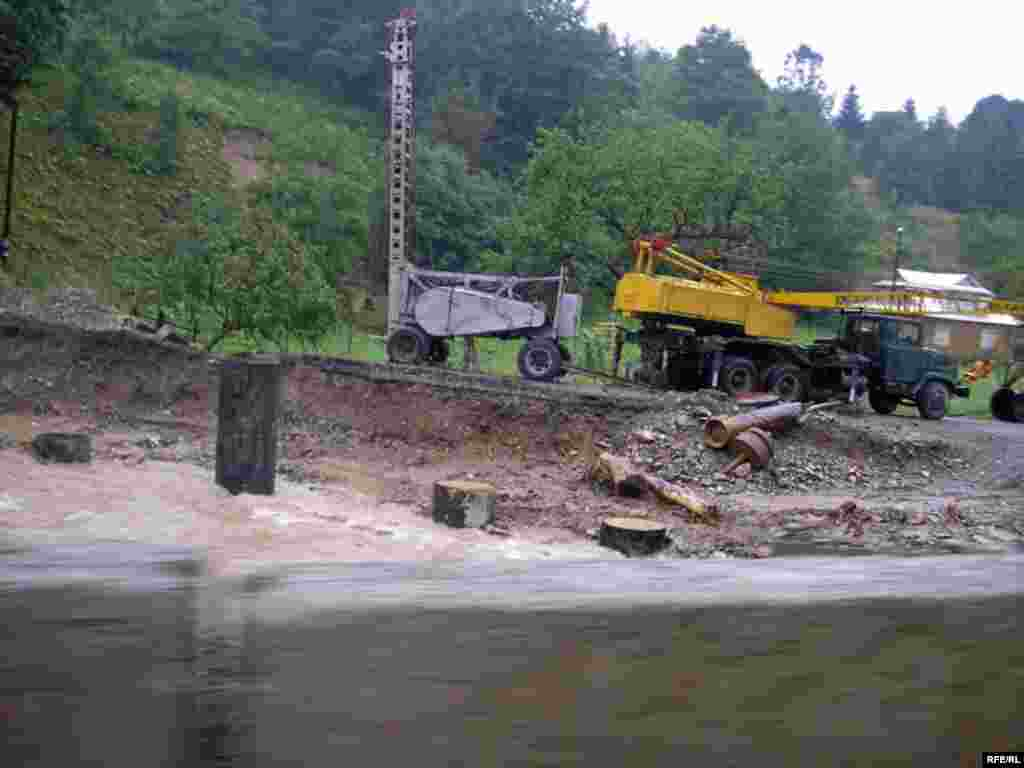 Ukraine -- Floods and torrential rains in Western Ukraine on July 23-26 are considered the most catastrophic in at least 100 years - Повені в Західній Україні 23–26 липня 2008 року називають найкатастрофічнішими принаймні за сто років.