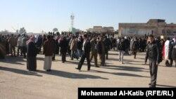 متظاهرون في ساحة الأحرار بالموصل