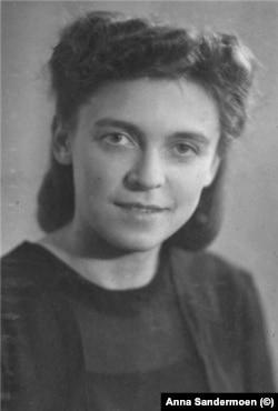 Дина Чедия, бабушка Анны Сандермоен. Фото 1940-х годов