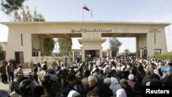 Контрольно-пропускной пункт Рафах в декабре 2007 года