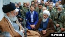دیدار آیتالله خامنهای با فرمانده ارتش جمهوری اسلامی