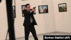 مردیکه سفیر روسیه را در انقره به قتل رساند.