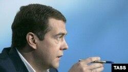 Дмитрий Медведев, президенти ояндаи Русия.