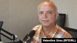 Gheorghe Malic în studioul Europei Libere la Chișinău