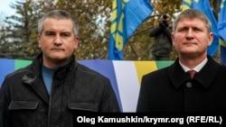 Сергей Аксенов и Михаил Шеремет (слева направо)