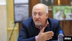 محمدجواد حقشناس تیرماه ۹۸ نیز به دادسرای ارشاد احضار و با قرار کفالت آزاد شده بود.