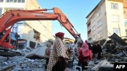 Число жертв стихии может превышать тысячу человек