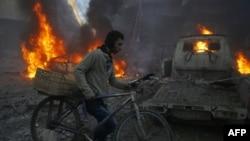 Дамаск маңындағы көтерілісшілер бақылауында тұрған аймақтың бомбалауға ұшырағаннан кейінгі көрінісі. Сирия, 8 желтоқсан 2015 жыл.