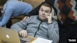 Veteran Ekho Moskvy host Aleksandr Plyushchev will be suspended from the air until mid-January.