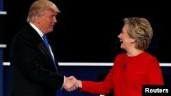 Дональд Трамп и Хиллари Клинтон после первого раунда дебатов