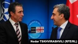 Глава НАТО Андерс Фог Расмуссен и премьер-министр Грузии Ника Гилаури (Тбилиси)