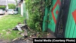 Следы огня на воротах дома Владимира Егорова