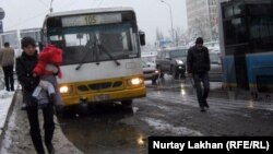 Қалалық автобус. Алматы, 22 қараша 2012 жыл.