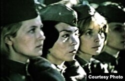 "Айтурган Темирова, Марина Яковлева жана Вера Глаголева. ""Снайперлер"" тасмасы. 1985."