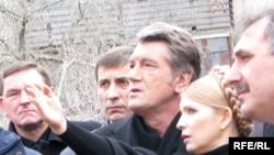 Ющенко и Тимошенко. Украина без революции.