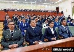 Активисты правящей партии Ислама Каримова на встрече со своим вождем. Март 2015 года