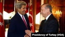 از چپ: جان کری و رجب طیب اردوغان