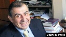 کامران دادخواه، اقتصاددان مقیم آمریکا