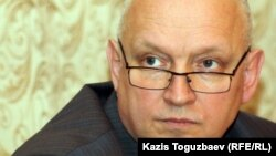 """Владимир Козлов, лидер незарегистрированной партии """"Алга""""."""