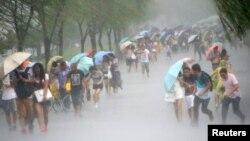 Tajfun, arhivska fotografija