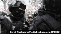 Полиция вошла в палаточный городок под Верховной Радой, Киев, 3 марта 2018 год