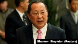 Түндүк Кореянын тышкы иштер министри Ли Ён Хо.